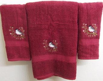 Embroidered ~CHICKADEE BIRD~ Set of 3 Bath Towels