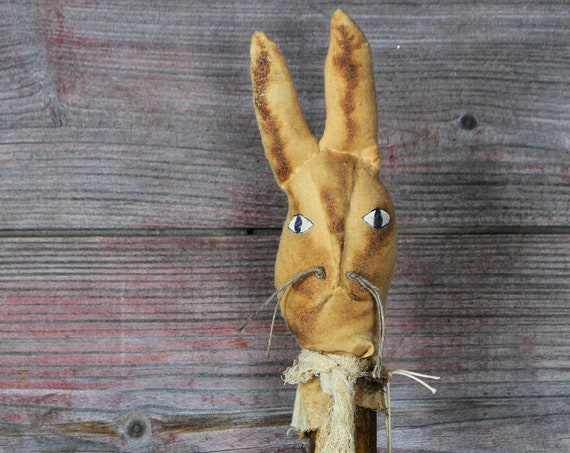 Sale! Primitive Olde Hare on Bobbin