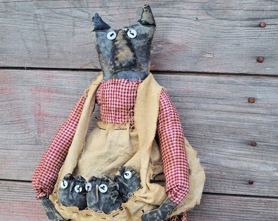SALE! Primitive Mama Cat and Kitties