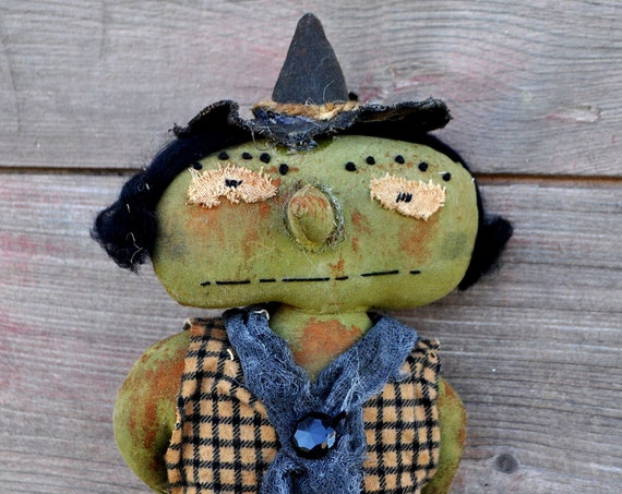 SALE! Primitive Green Witch