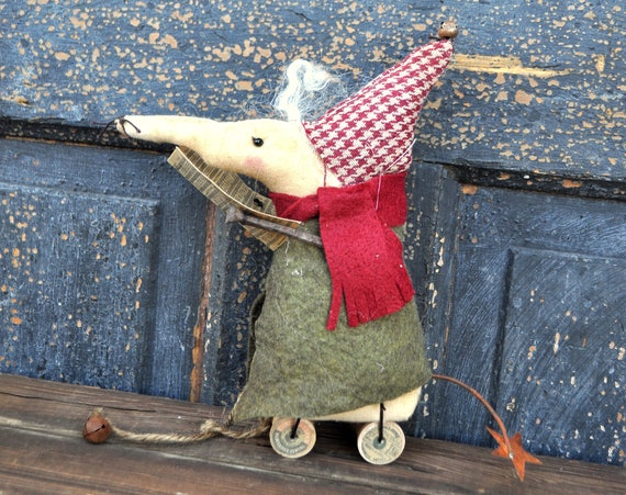 SALE! Primitive Mouse Singing Silent Night