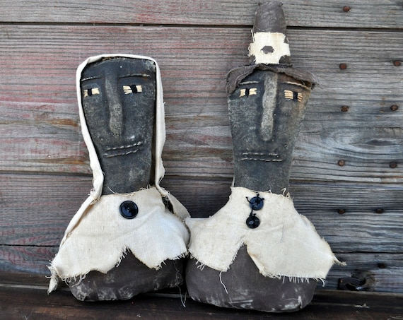 SALE! Primitive Pilgrim Sitters Pair
