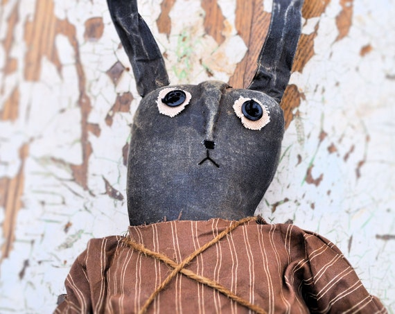 Primitive Black Bunny With Carrot