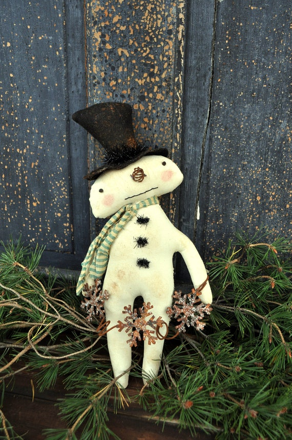 Primitive Snowman with Snowflake Garland