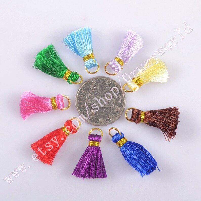 Wholesale 100 Pretty Petite Rainbow Silk Tassel Pendant Bead Handmade 1 Rainbow Thread Tassels Charm Pendant Making Jewelry Findings NO-1