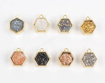 Wholesale Tiny Gold Plated Hexagon Rainbow Natural Titanium Crystal Druzy Charm Pendant One Bail Sparkle Agate Geode Gemstone Jewelry ZG0139