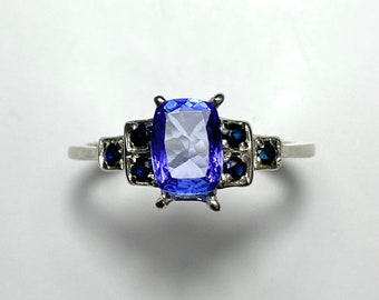 0.85cts Natural Rainbow Moonstone 9ct 14k 18k 375 585 750 yellow white rose Gold Platinum Palladium engagement ring all size