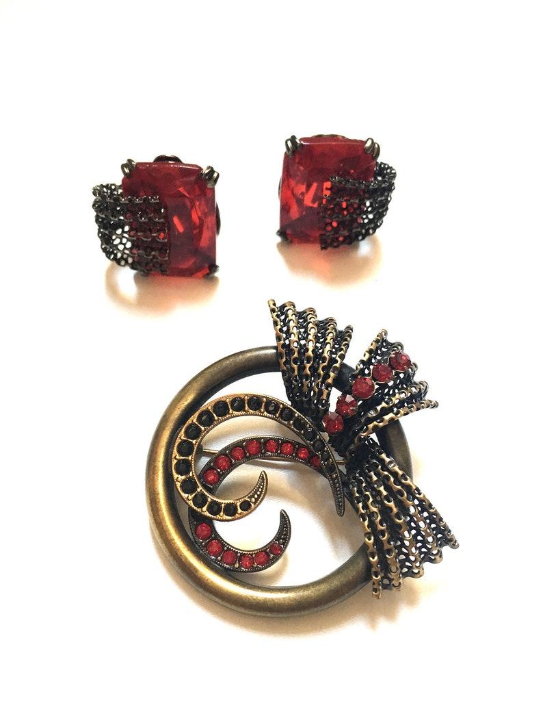 Vintage Austria Crystal Mesh Metal Swirl Brooch Clip Earrings Jewellery Set