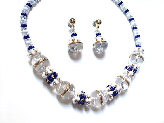 and White Silver Tone Handmade Vintage Beaded Necklace Blue
