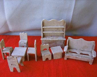 Lot Of Vintage Handmade Wooden Dollhouse Furniture   9 Pieces   47141