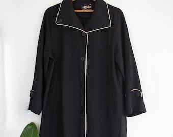 Lightweight Outline Overcoat