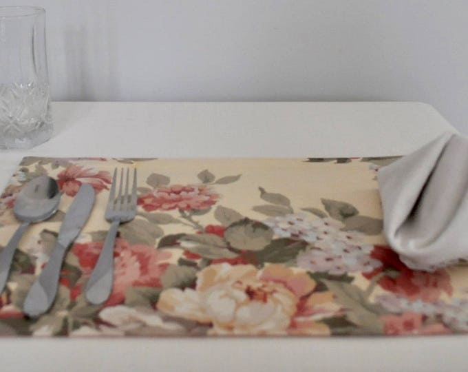 Featured listing image: Spring Floral Placemats, Set of Two