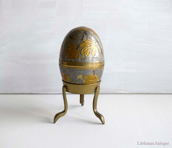 Vintage Flowers Decor India Brass Metal Egg With Stand
