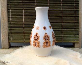 Vintage Soviet Era Riga Porcelain Factory Traditional Folk Art Floral Ornament Decor 18 cm/7.1 inches Tall White Porcelain Vase Made in USSR