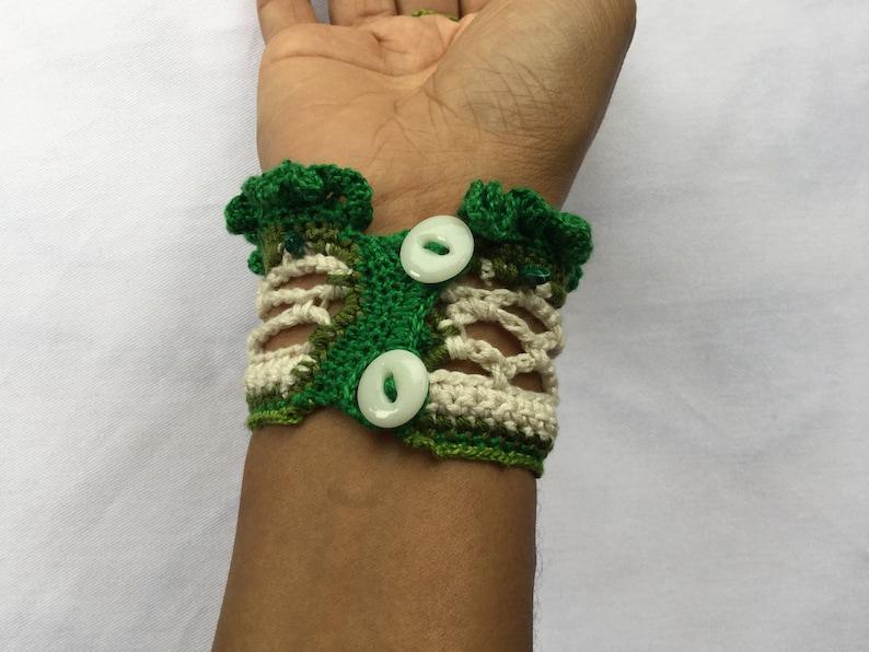 green cotton crochet cuff boho green bracelet Dark green hippie bracelet with small beads emerald bohemian cuff hippie green cuff