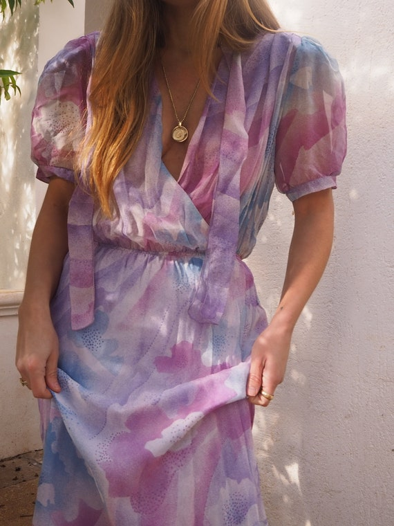 VINTAGE WRAP DRESS // Vintage Pink Purple Dress