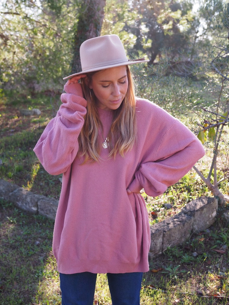 VINTAGE OVERSIZED SWEATSHIRT  Slouchy Rose Pink Oversized Sweatshirt