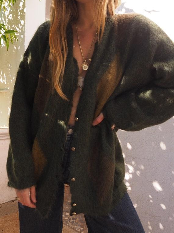VINTAGE GREEN CARDIGAN // Mohair vintage cardigan