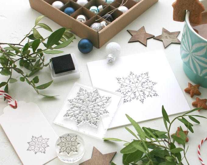 Mistletoe Snowflake Clear Stamp