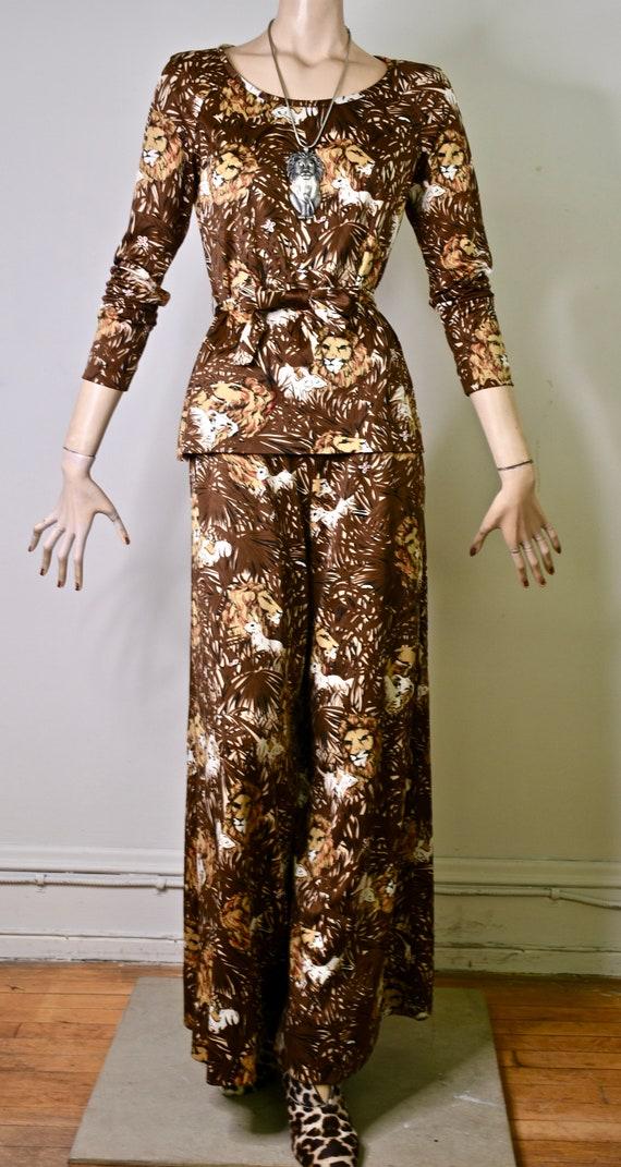 vintage 70s pants suit, novelty print, novelty ju… - image 2