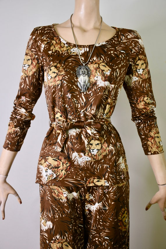 vintage 70s pants suit, novelty print, novelty ju… - image 4