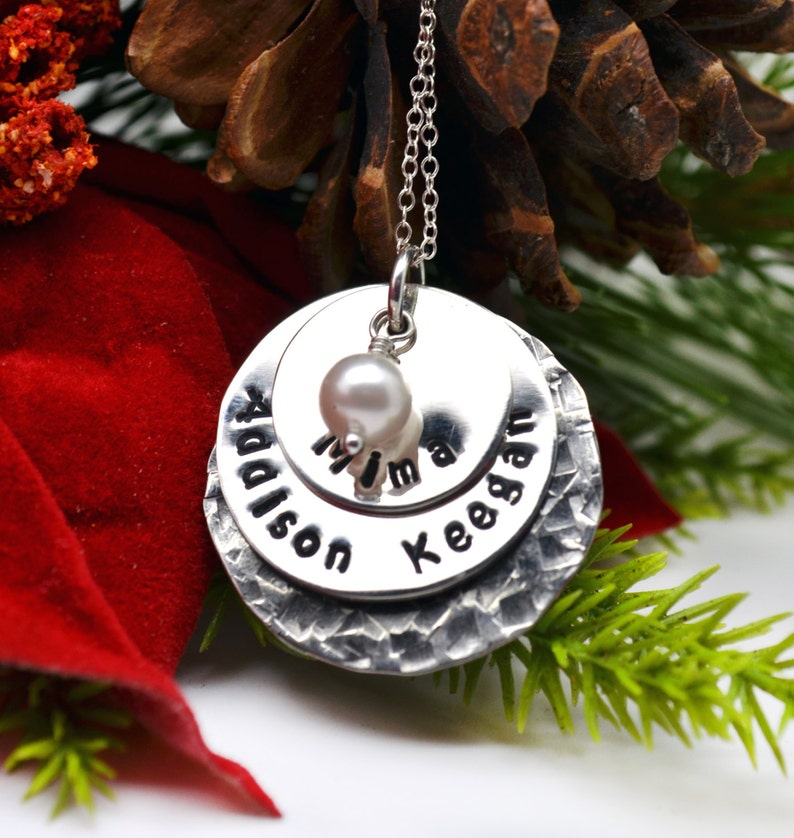 Gift Kids Names Personalized Mommy Necklace Grandma Necklace Family Pendant Gift for Mom Hand Stamped Jewelry