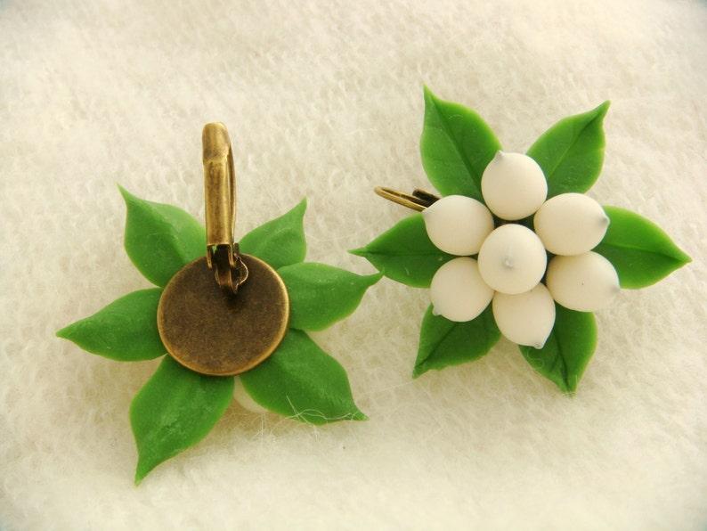 Floral earrings Woodland earrings, Mistletoe earrings Polymer clay earrings Berry jewelry Holiday jewelry Christmas earrings