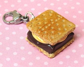 Smores Food Charm, Polymer Clay Food, Stitch Marker, Knitters Gift, Miniature Food Jewelry, Marshmallow Charm, Friend Gift, Clay Smores