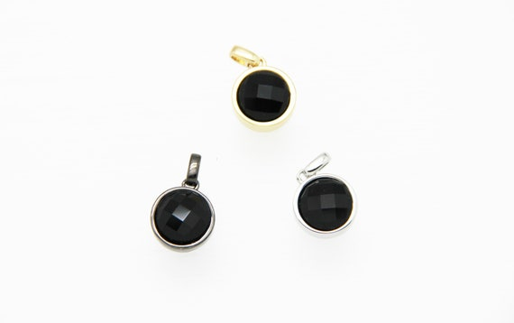 Black Onyx 12mm Coin Shape Brass Bezel Setting Pendant