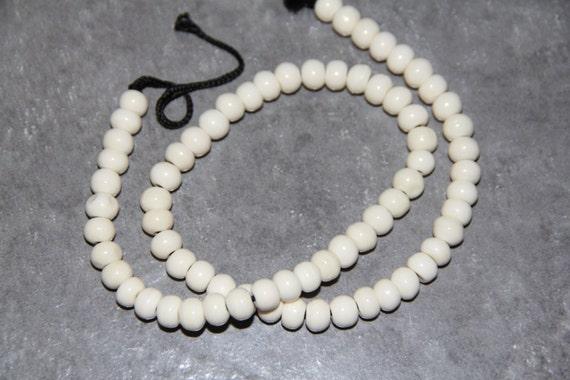 "Buffalo White Bone Smooth Round Beads, 18"" long full strand"