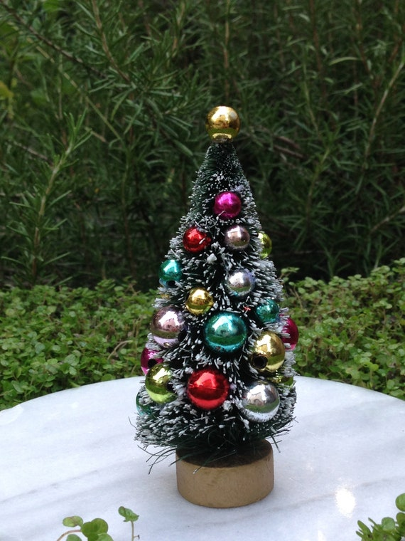Set of 8 Mini Pink Sisal Bottle Brush CHRISTMAS TREES ~ Snow Frost Village Putz
