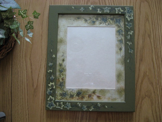Frame Matboard Ivy Hand Painted 16 X 13 Outside Holds 8 X 10 Etsy
