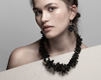 Upcycled statement necklace NAIROBI. Recycled bicycle inner tube jewelry. Perfect gift for cyclists and eco-oriented women.