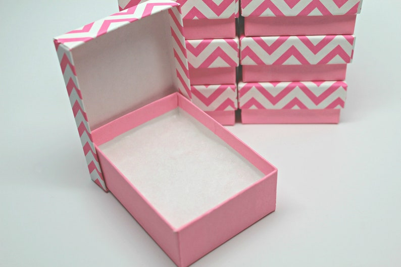 Gift Boxes Recycled Content Boxes Made in USA Set of 8 Kraft Jewelry Boxes Pink Chevron Storage Box with lid Includes Cotton Fill