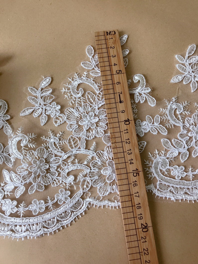 1//2 M*Corded//Scalloped Lace Trim-Bridal Fabric*Top Quality*Light Ivory//Off White