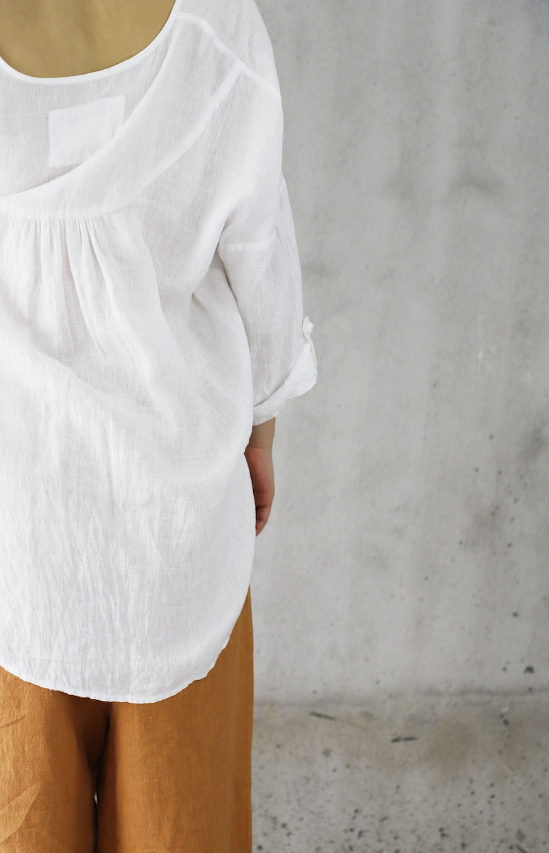 Z130---High Counted French Linen Blouse   Tunic Top  Tee  T-shirt with Chinese knotted Buttons Women Oversized Linen Peasant Top