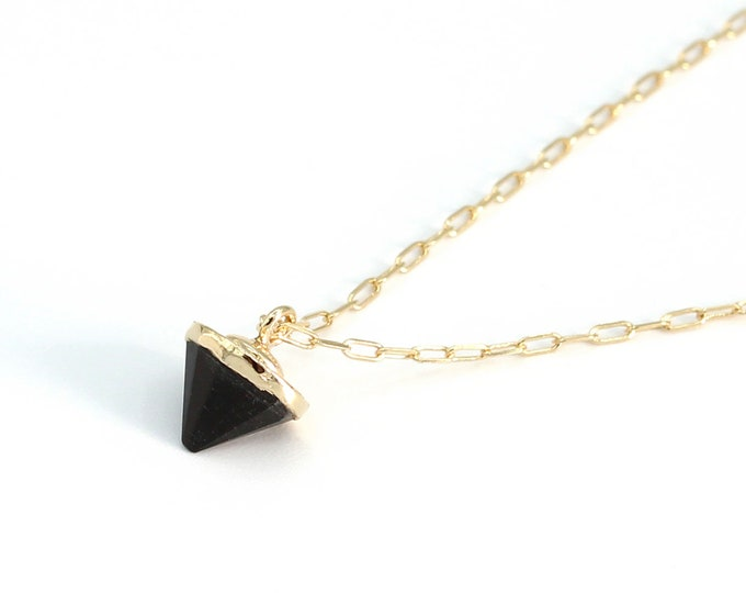 """Featured listing image: collier """"black cone"""""""