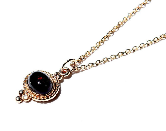 Choker with Garnet pendant