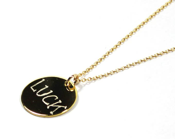 Necklace with a medal engraved LUCK
