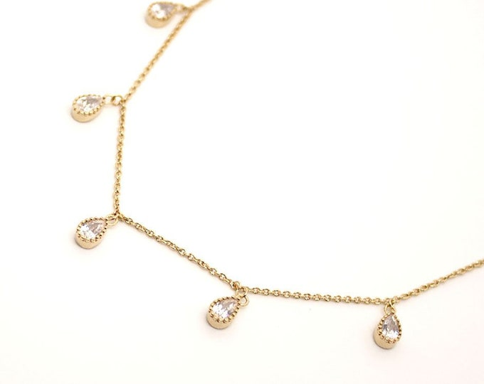 Choker with small drops
