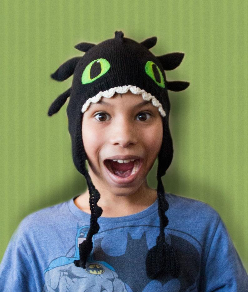 Toothless dragon hat knitting pattern image 0