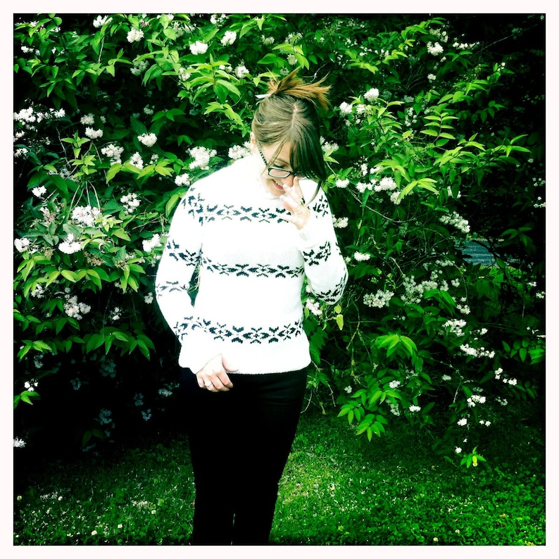 Sarah's white jumper  a knitting pattern inspired by The image 0