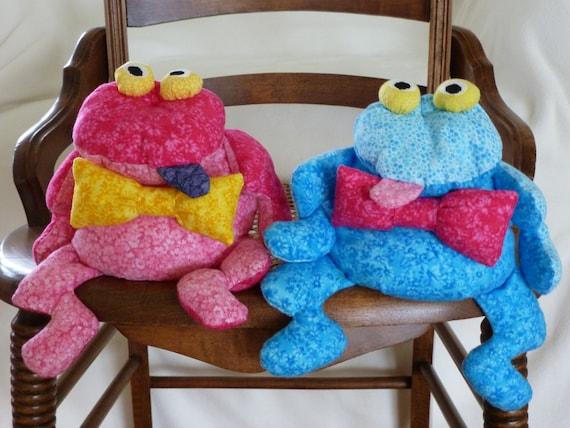 Peachy Frog Stuffed Animal Bean Bag Pink Or Blue Frog Toy Froggy Stuffed Animal Gift For Teen Bean Bags Bow Tie Desk Accessory Novelty Gift Kawaii Frankydiablos Diy Chair Ideas Frankydiabloscom
