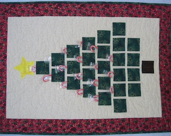 Christmas Tree Advent Calendar - quilted wall hanging - green tree with pockets for advent treats