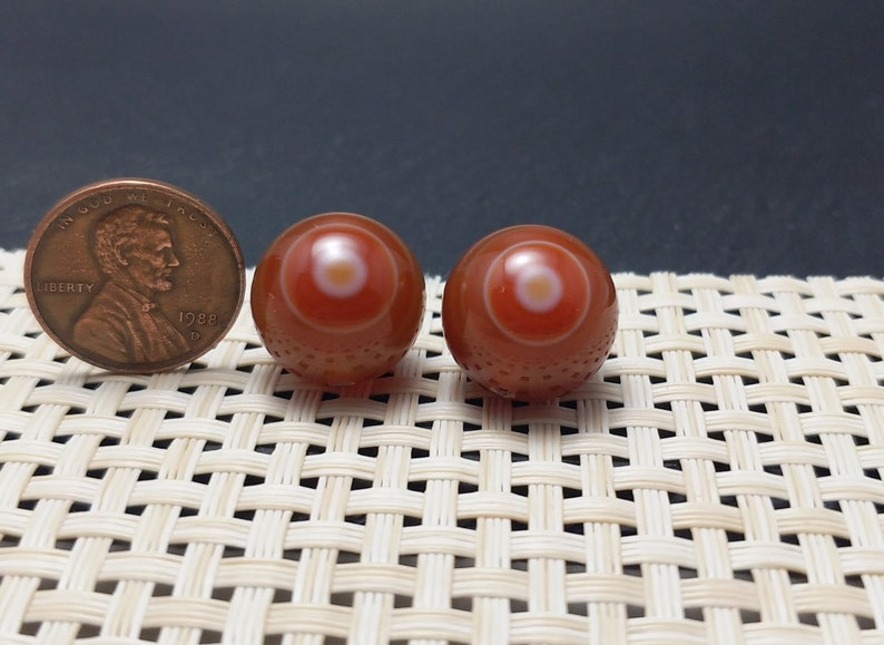A  Pair of  Nepal Tibetan Natural Banded Agate Evil EyeEye in the Sky Beads Amulet Not Painted Dzi YXD-035