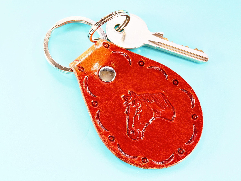 Schlüsselanhänger Leder braun Pferd Prägung Handarbeit Unikat Pferde