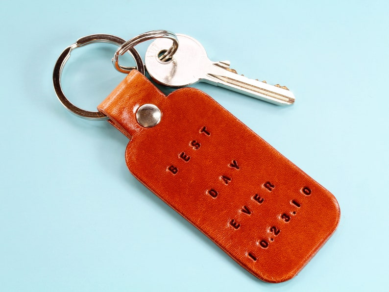 Best Day Ever Date Leather Keyring Personalised Leather image 0