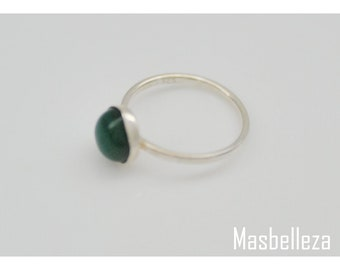 Ring sterling silver with 8 mm onyx inner diameter 17,25 and size. 57