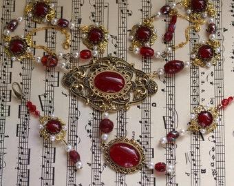 Elizabeth Tudor III' Royales Jewelry Set Necklace & Earrings