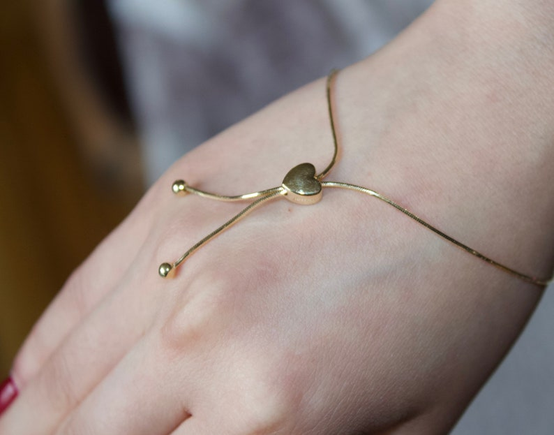 9.25 inch RC88773 14K Gold Snake Chain Bolo Bracelet with Heart and Beads